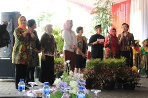Menghadiri Halal Bihalal PGRI 2016 di Block Office