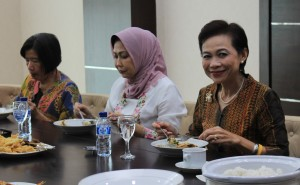 Beramah tamah bersama Ibu Walikota (Dewanti Rumpoko) di Ruang Istirahat Kantor Walikota Batu