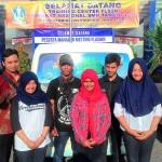 Ary Agung W, mendampingi siswanya mewaklili Provinsi Jawa Timur pada FLS2N Bidang Film Pendek