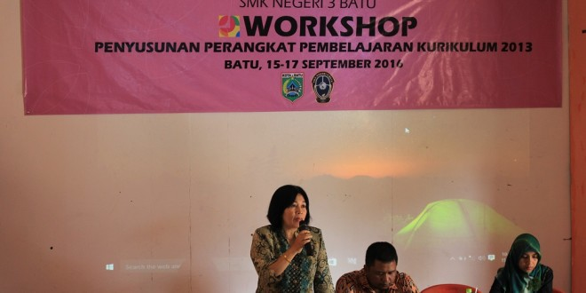 Workshop Penyusunan Perangkat Kurikulum 2013 SMK Negeri 3 Batu