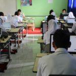 Suasana ujian di salah satu ruang CBT